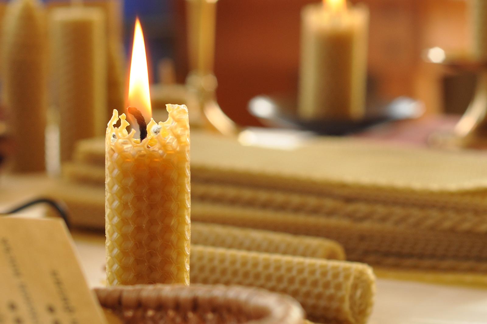 Мантри за живота пеят свещите