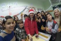 Кръжок в училище – свещи и усмивки
